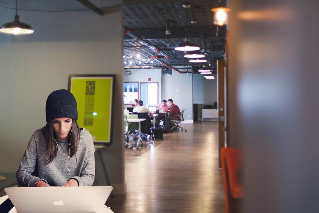 woman, laptop, coworking